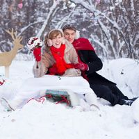 Зимняя свадьба с красными акцентами