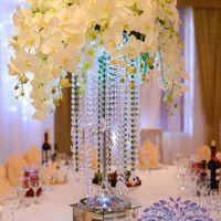 1 июля. Свадьба Алексея и Дарьи. Красиво. Стильно. Нежно. Декор столов гостей- стойки со стеклярусом и композициями из декоративных цветов. Спасибо за фото Николаю Пилат