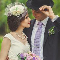 шляпка с вуалью, стрелки, перчатки, жемчуг, яркий макияж, невеста, жених