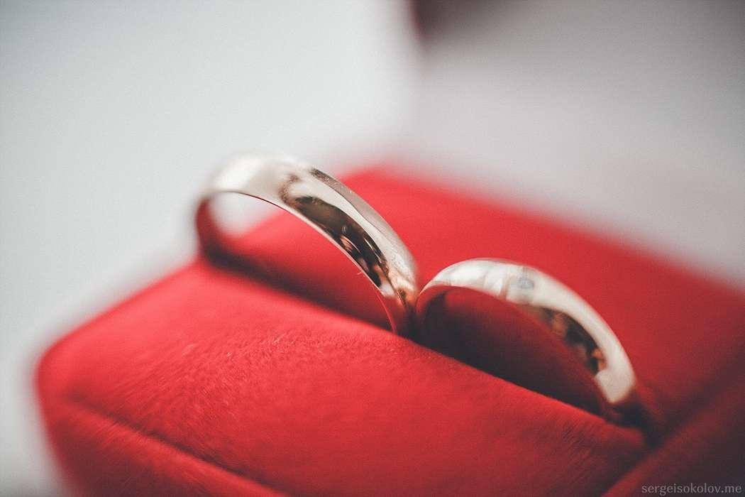 вопрос обручальные кольца в красной коробочке фото страхуемся