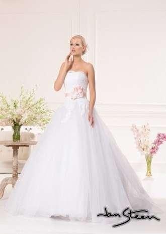 Фото 2415065 в коллекции Свадебные платья - Ваниль - свадебный салон