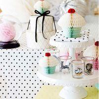 Кейкстенды, посуда и бумажный декор Miss Etoile