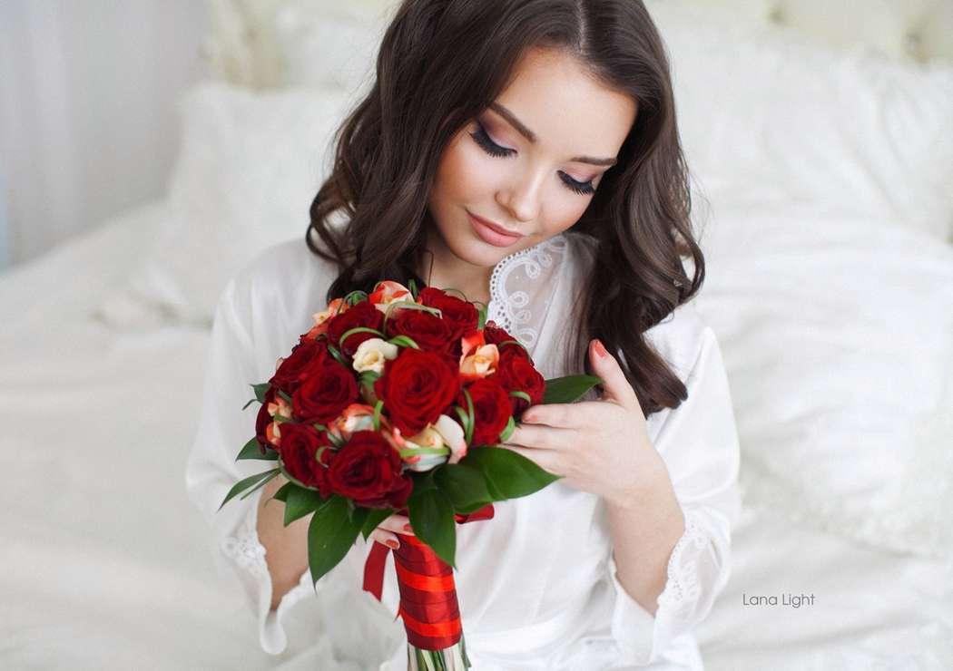 Сборы невесты можно устроить и в студии, что бы сразу запечатлеть пару кадров нежности - фото 9877548 Стилист-визажист Катрина Петренко