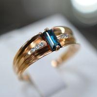 Кольцо с топазом swiss и шестью бриллиантами. Золото 585