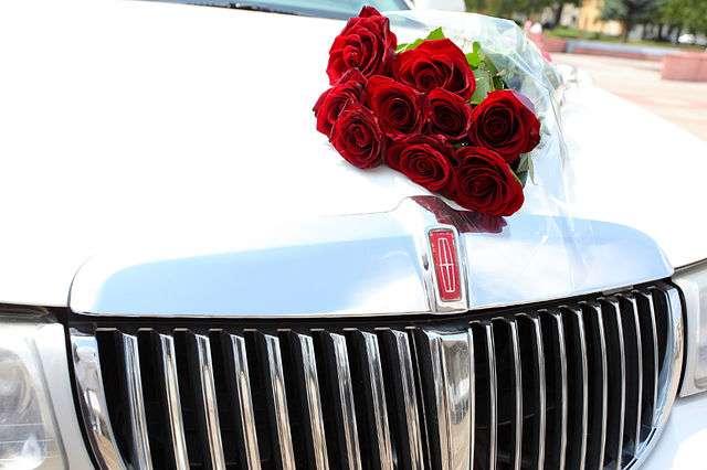 Линкольн таун кар  - фото 2349628 Лимузин Сервис - автомобили на свадьбу