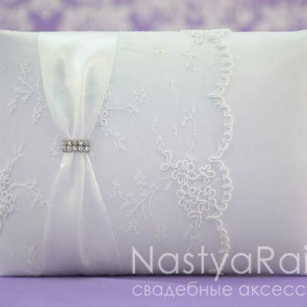 Свадебная книга с брошью белый