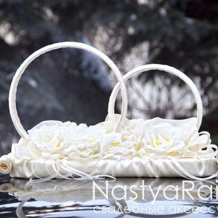 Свадебные кольца на крышу машины Айвори