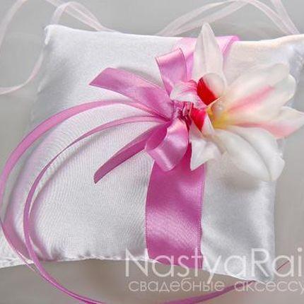 Подушка для колец с орхидеей