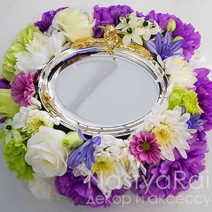 Блюдце для колец с живыми цветами