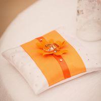 Подушечка для колец в оранжевых тонах