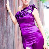 Подружка невесты в лиловом