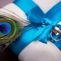 Wedding Tim and Kate. Подушечка для колец с павлиньим пером