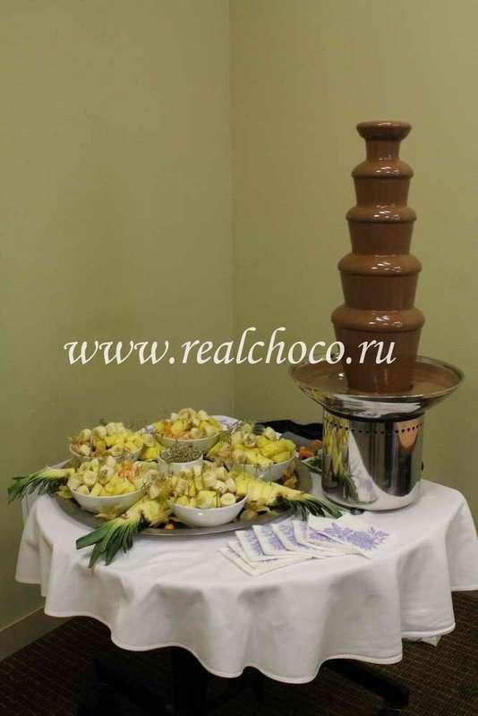 """Шоколадный фонтан 80см, шоколад молочный  - фото 2406771 """"Вкус жизни"""" - сладкие подарки на свадьбу"""