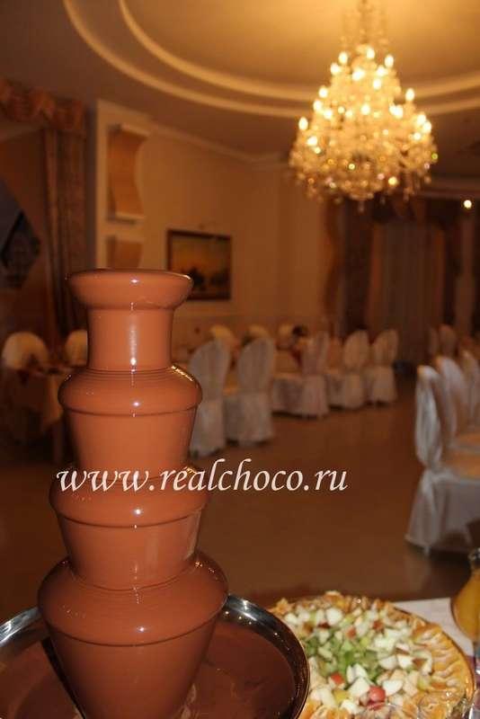 """Шоколадный фонтан 60см, молочный шоколад - фото 2406881 """"Вкус жизни"""" - сладкие подарки на свадьбу"""