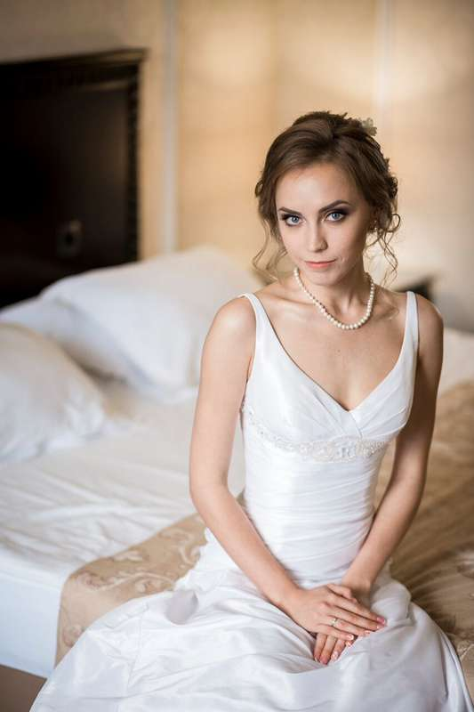Невеста Лена Визажист-стилист: Марина Усова Фотограф: Андрей Плотонов (г. Екатеринбург) - фото 15408828 Визажист Марина Усова