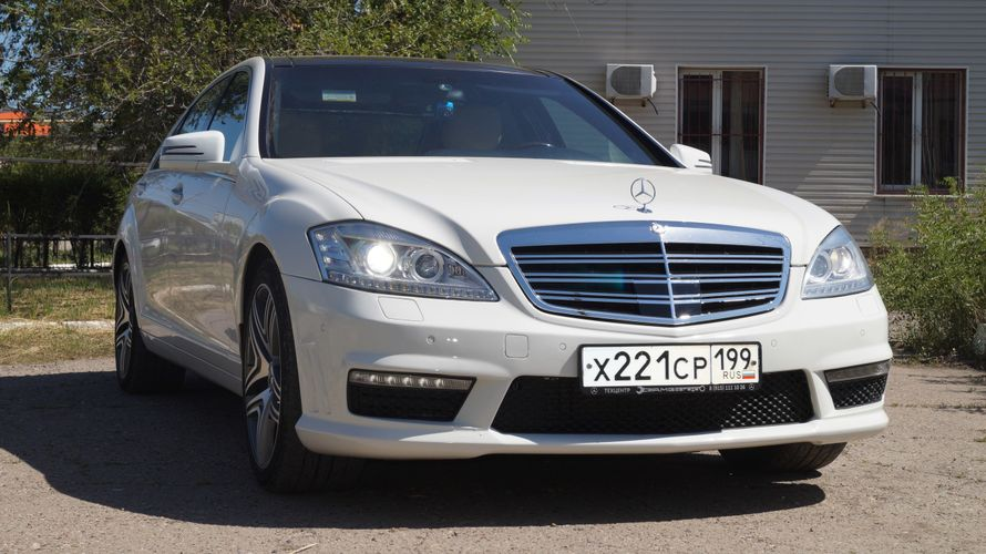 Аренда Mercedes Sclass W221 Long, цена за 1 час