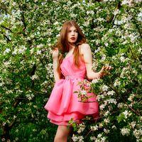 Подружка невесты в розовом