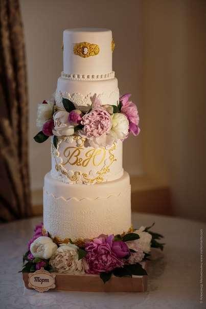 """Свадебный торт с живыми цветами - фото 2575779 Кулинарная мастерская """"Мисс Бисквит"""""""