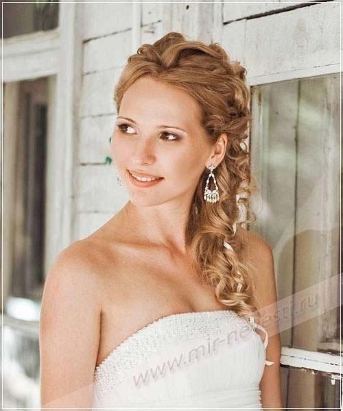 Прическа из длинный волос с лентами. - фото 5597822 Стилист-визажист Елена Плетнер