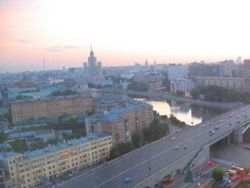 """Рассвет над Москвой - вид из номера - фото 17207 Отель """"Swissotel Красные Холмы"""""""