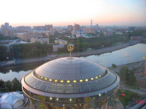 """Рассвет над Москвой - вид из номера - фото 17208 Отель """"Swissotel Красные Холмы"""""""