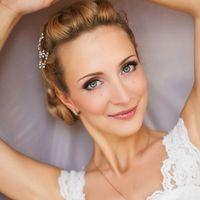 Свадьба состоялась в августе 2013 года. Прекрасная невеста Лиза. Длина волос длинные, в макияже использовались реснички.