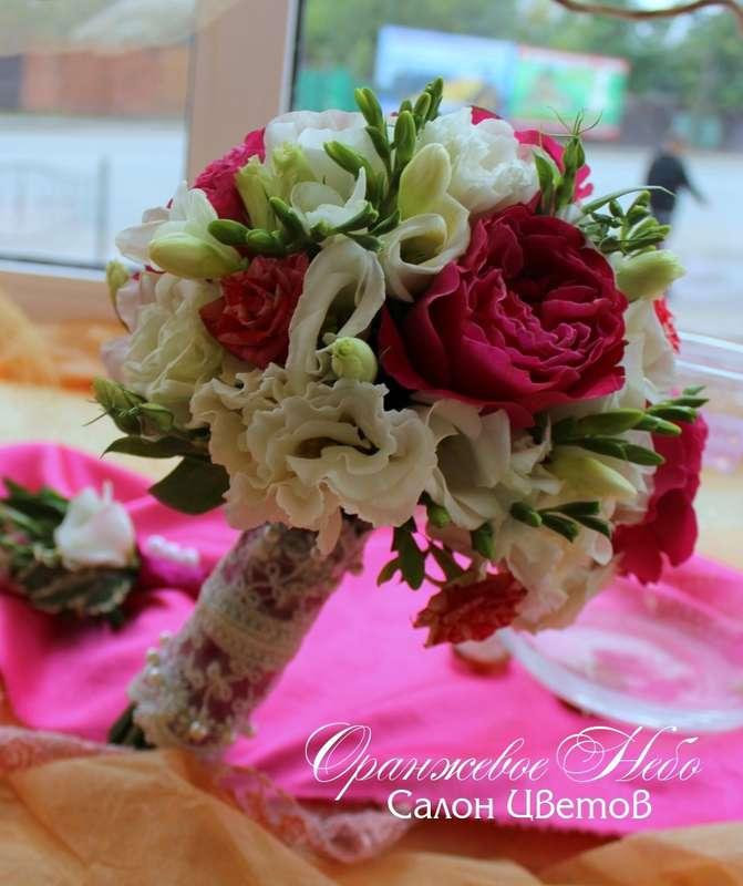 Пионовидная роза и фрезия - фото 2929753 Студия флористики и декора Оранжевое Небо