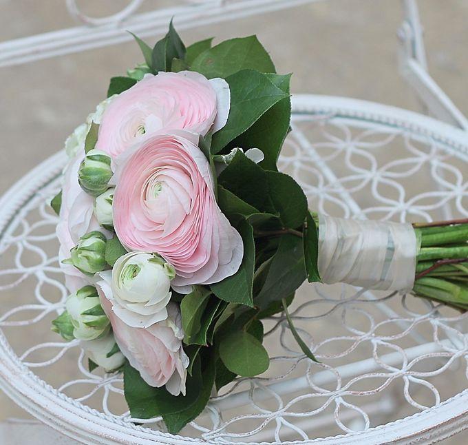Букеты невесты с ранункулюсами