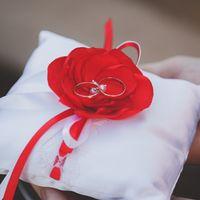 подушечка для колец, букет, украшения в волосы, бутоньерки и браслеты для подружек невесты - из атласа и шифона
