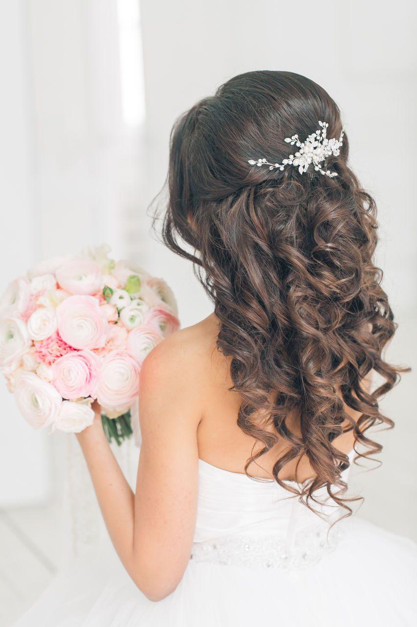 Прически на свадьбу распущенные сзади