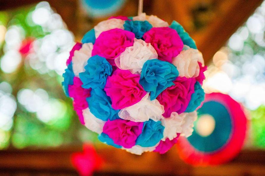 Подвесной шар из белых, розовых и голубых тканевых роз - фото 2926457 Крымпраздник - организация свадьбы