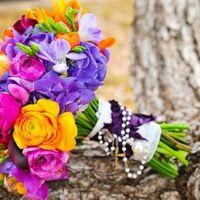 стильный букет невесты яркий сочный