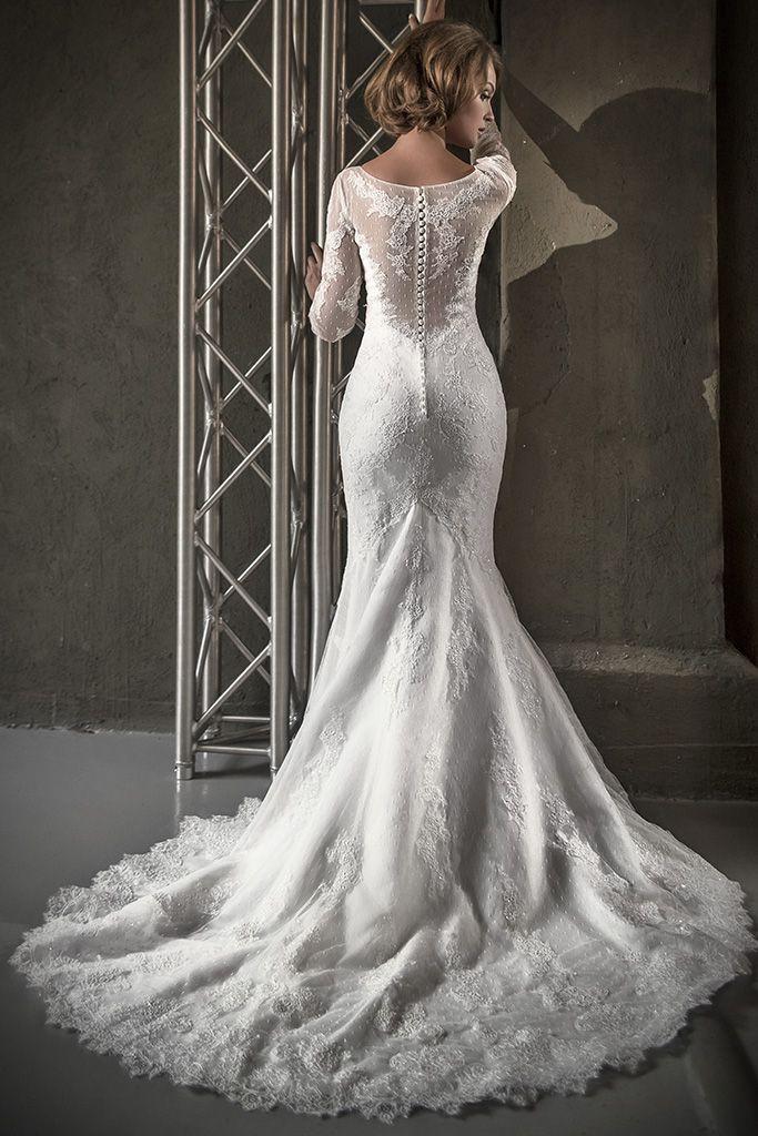 """Невеста в силуэтном кружевном платье со шлейфом и прозрачной спинкой на пуговичках - фото 2972483 Салон свадебной и вечерней моды """"Белый Танец"""""""