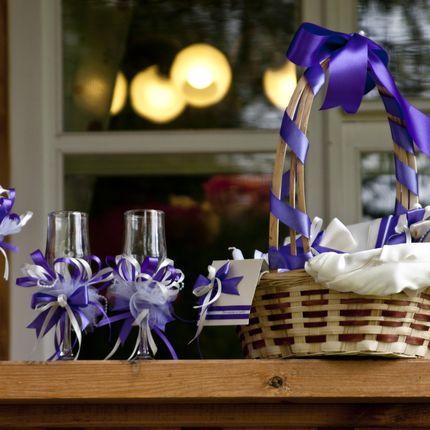 Набор свадебных аксессуаров в сиреневом цвете