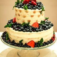 Торт для Сергея и Марины приготовлен нашим кондитером.