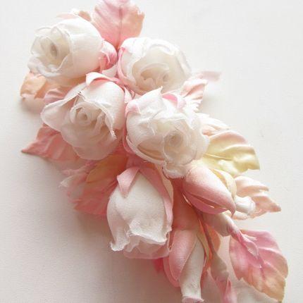 Веточка из бутонов роз в прическу