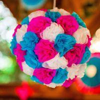 Волшебные шары из бумажных цветов для яркой свадьбы от компании Крымпраздник