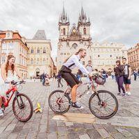 Свадьба отважных велосипедистов Андрея и светы, приехавших в Прагу на велосипедах.