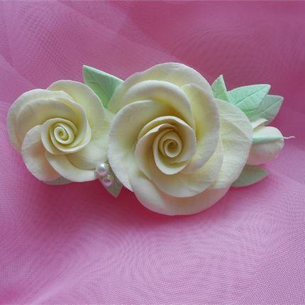Зажим с розами
