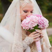 Розовый букет невесты из гортензий