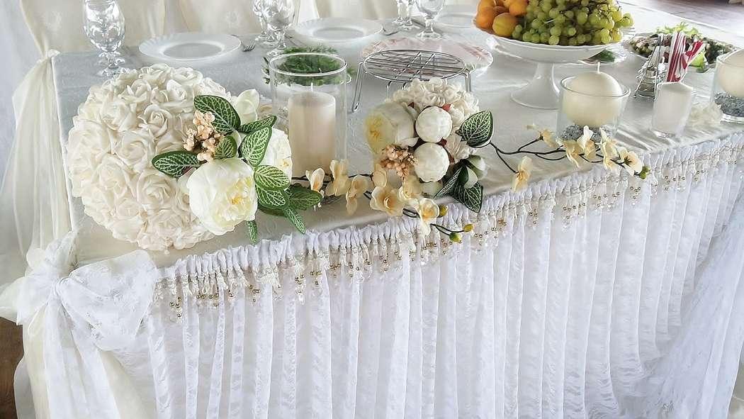 Декор стола молодых с кружевом - фото 3174753 ЭкоDekor - декор свадеб