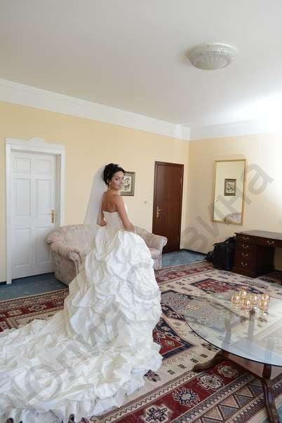 В шлейфе роскоши!!)) Брендовое свадебное платье премиум- класса на невесте Аленочке!! - фото 14892540 Свадебный салон Юлии Савиной