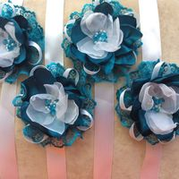 Браслетики изготовлены  под заказ невесты,повторю в любом цвете