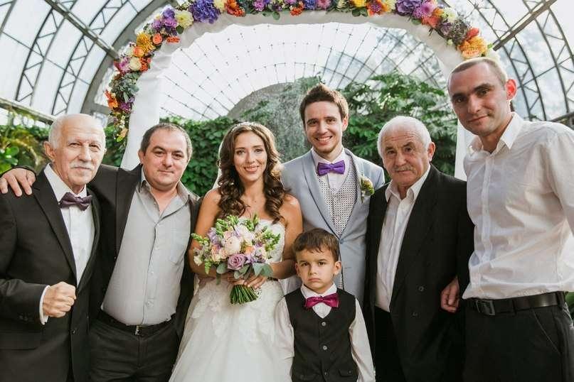 Невеста на свадьбе не отказала никому видео, невесту пустили по кругу смотреть онлайн