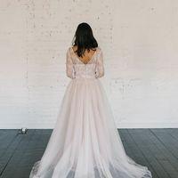 Запись на примерку +7 (812) 912-25-13 Больше фото:   Свадебное платье «Вилена» Цена: 38 900 ₽  Возможные цвета: - белый - молочный - нежно-розовый - жемчужно-кофейный - припыленно-сиреневый - припыленно-серый  При отсутствии в наличии нужного размера это