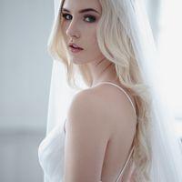 Больше фото:   Свадебное платье «Настасья» Цена: 40 900 ₽  Возможные цвета: - молочный - нежно-розовый - светло-персиковый - светло-кофейный - бежевый - припыленно-сиреневый - припыленно-серый  При отсутствии в наличии нужного размера это платье может быт