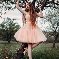 платье продается, размер 42-44, цена 14000 руб.
