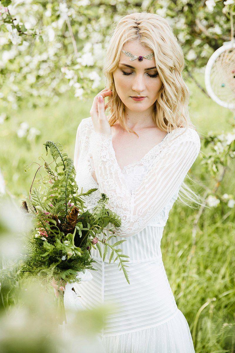 свадебное платье в стиле бохо в наличии, размер 42-44, рост 175-185, цена 28000р. - фото 16262508 Kosmi bridal - свадебные платья