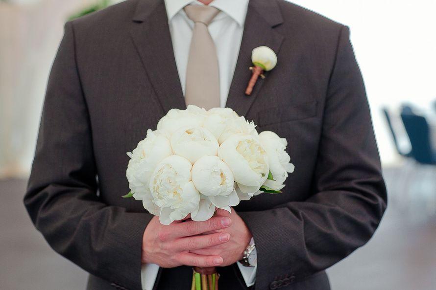 Какой букет невесте дарит жених, правильно