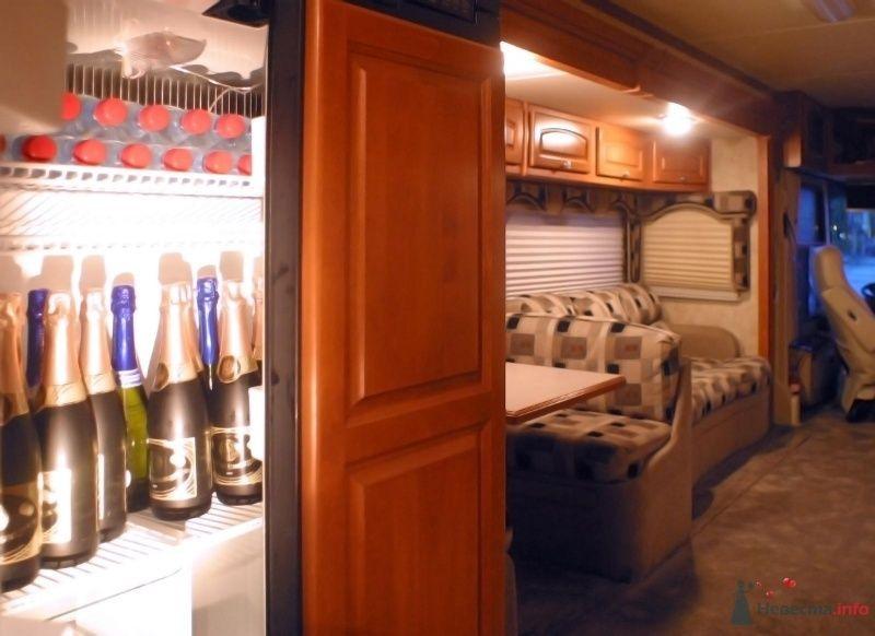 Холодное шампанское. - фото 29865 Шикарус - аренда эксклюзивного транспорта